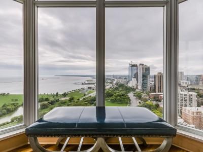 Listing of the Week: BreakWater 20th-Floor Penthouse