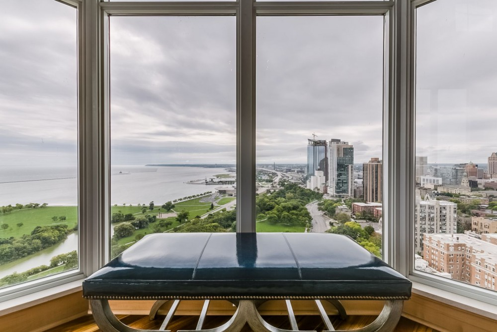SE Penthouse at The BreakWater