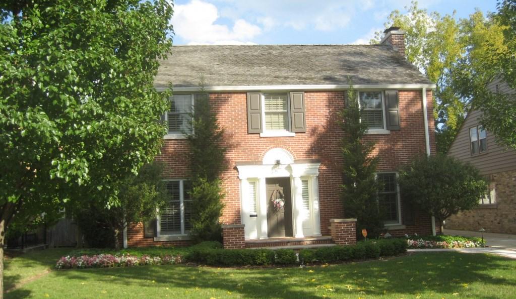 House Confidential: John Hammond's Hum-Drum Colonial ...