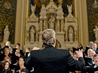 Classical: 100 Voices Singing Glorious Hymns