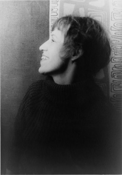 Lotte Lenya. Photo by Carl Van Vechten [Public domain], via Wikimedia Commons.