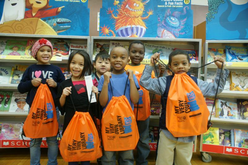 Milwaukee Public Schools' students get free books; chance to meet children's author Sundee Frazier. Photo from MPS.