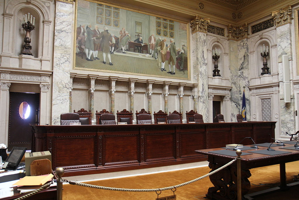 Wisconsin Supreme Court. Photo by Royalbroil (Own work) [CC BY-SA 3.0 (http://creativecommons.org/licenses/by-sa/3.0)], via Wikimedia Commons