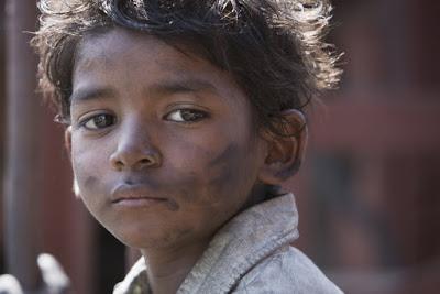 Sunny Pawar as the young Saroo