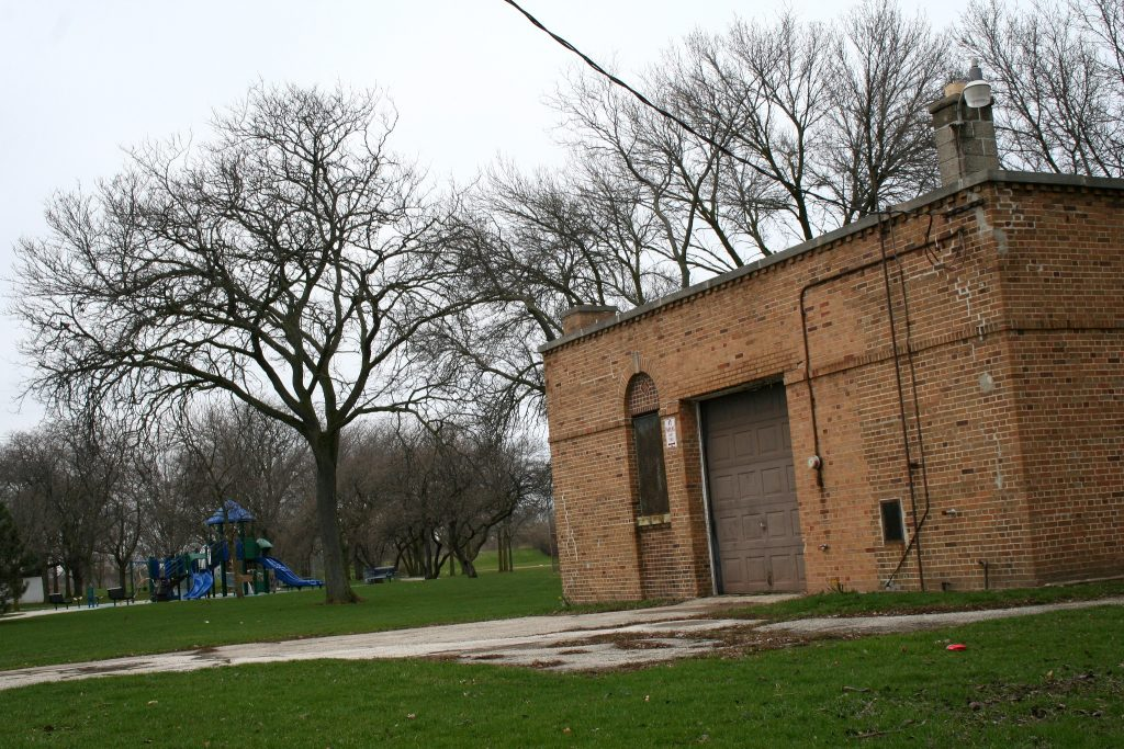 A building in Meaux Park, not far from Lincoln Park, sits unused. Photo by Jabril Faraj.
