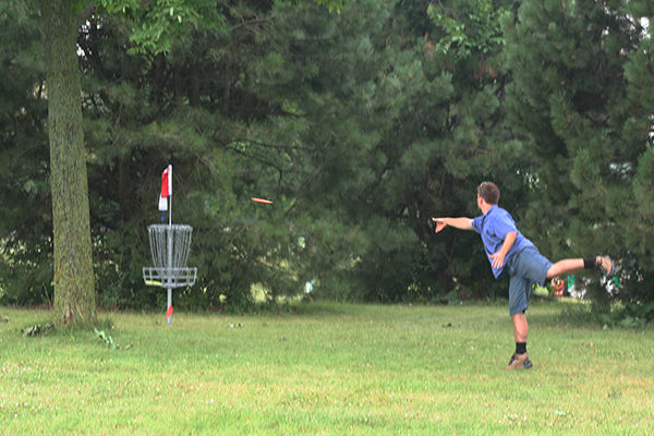 Group Tee-Off, Clinics Open Disc-Golf Season at Dretzka Park