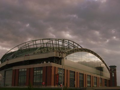 Begin a New Career at Miller Park with Delaware North Sportsservice