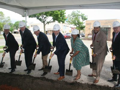 Eyes on Milwaukee: New Bank for Sherman Park
