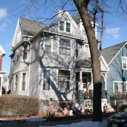 416 W. Scott St. Photo by Jeramey Jannene.