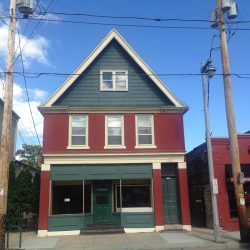1338-1344 E. Brady St. Photo by Mariiana Tzotcheva