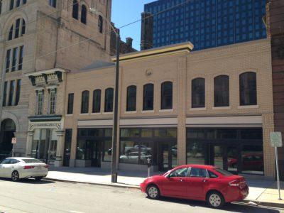 627-637 N. Broadway