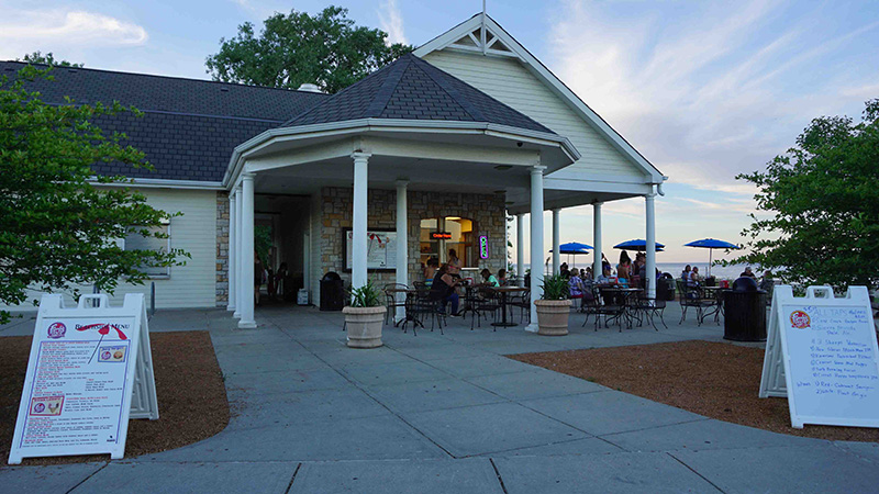 Ferch's Beachside Grille in Grant Park will offer free, live acoustic music and movies this summer. Opening May 19, weekends only through Memorial Day.