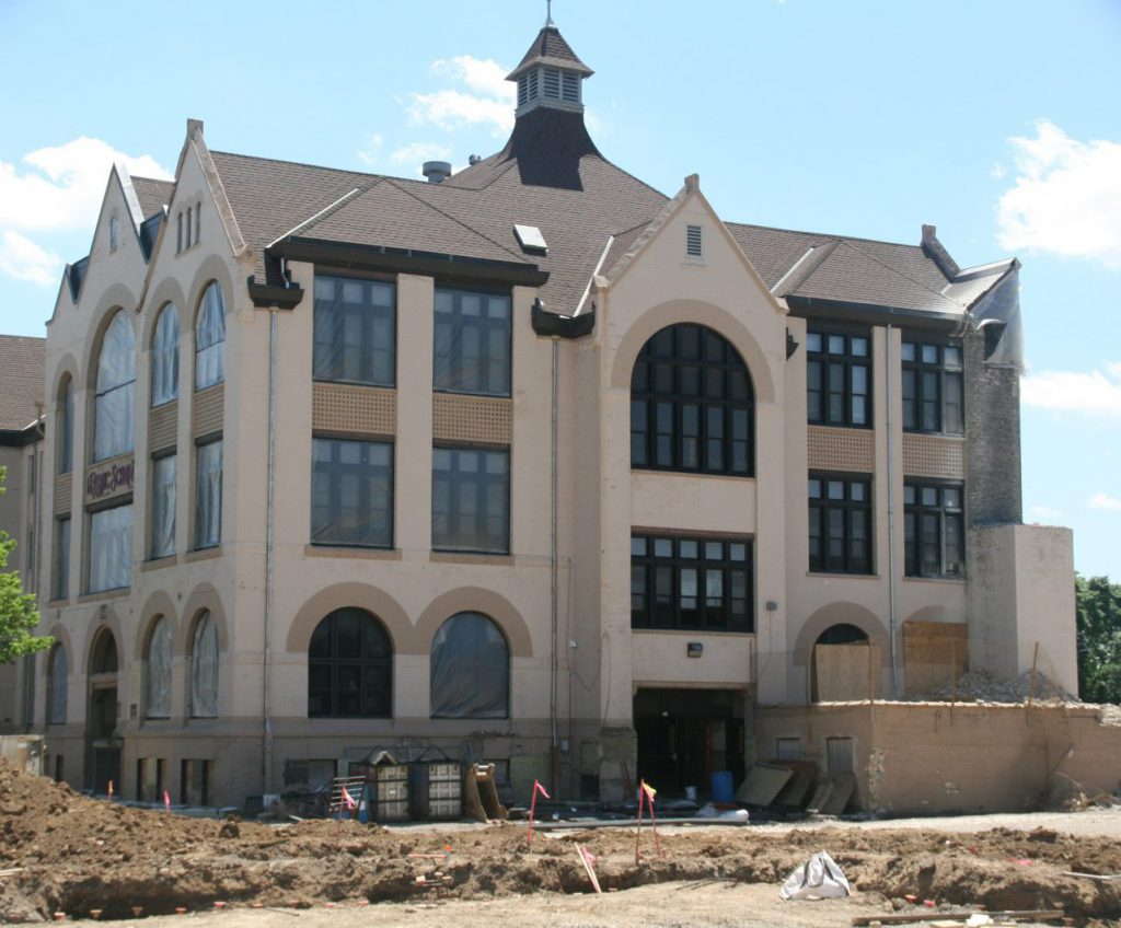 Garfield Avenue School. Photo by Jeramey Jannene.
