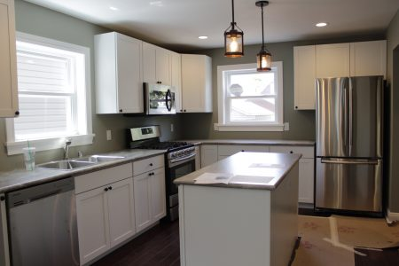 The house features new energy-efficient appliances in the kitchen. Photo by Keith Schubert.