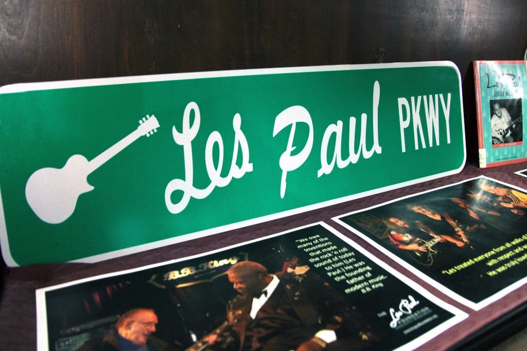Les Paul Parkway sign from Waukesha. Photo by Erol Reyal©
