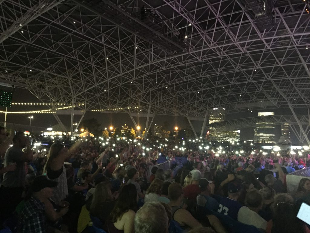 Fans at Toto. Photo by Alison Peterson.