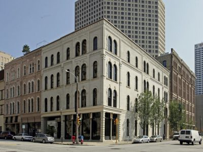 Colliers International | Wisconsin Brokers and Closes the Sale of 600 N Broadway in Downtown Milwaukee