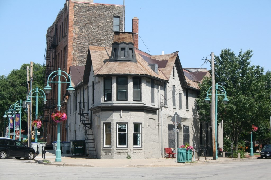 Catherine Foley -- Miller Tavern building. Photo by Jeramey Jannene.
