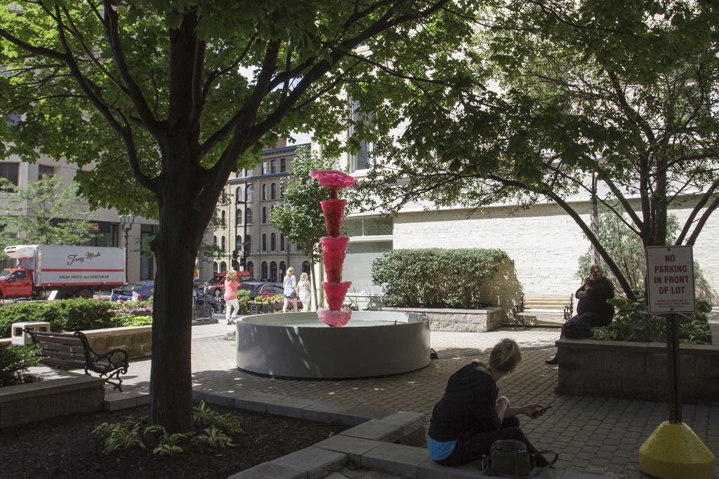 Pink Lady (for Asha), 2013 by Lynda Benglis. Photo by Tom Bamberger.