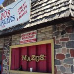 Dining: Mazos Is a Tasty Time Warp