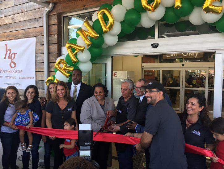 Pete's Fruit Market Boosts Bronzeville