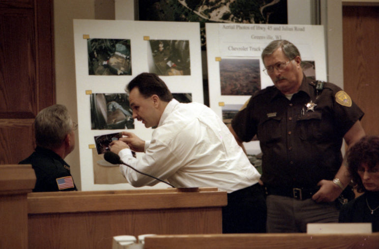 Acting as his own attorney, Ken Hudson questions a police officer during his murder trial in March 2001 in Outagamie County Circuit Court in Appleton, Wis. (Dan Powers / USA TODAY NETWORK-Wisconsin)