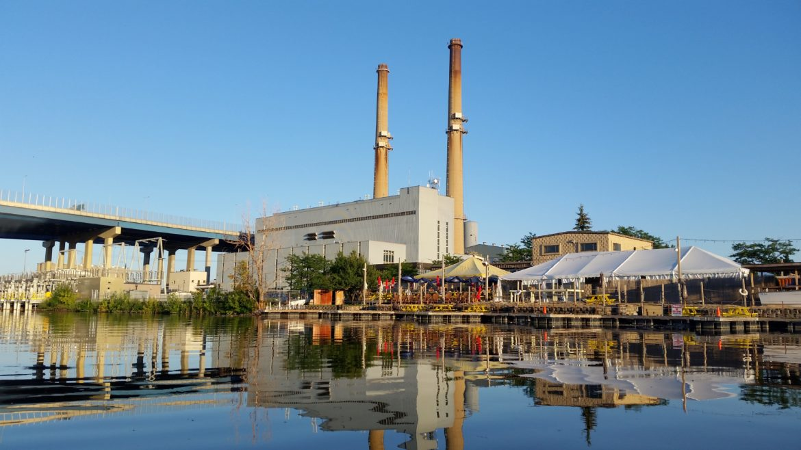 The Valley plant in Milwaukee is among those that switched to natural gas in recent years, as noted in a Union of Concerned Scientists report recently released. Photo by Kari Lydersen/Midwest Energy News.