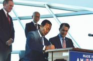 Foxconn chairman Terry Gou and Governor Scott Walker signing a memorandum of understanding. Photo from the State of Wisconsin.