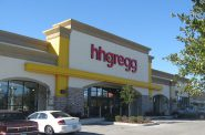 hhgregg store. Photo by William M at en.wikipedia [CC BY-SA 3.0 (https://creativecommons.org/licenses/by-sa/3.0) or GFDL (http://www.gnu.org/copyleft/fdl.html)], via Wikimedia Commons