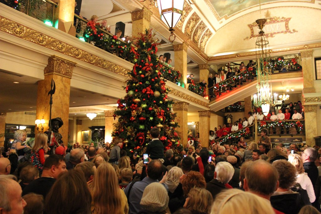 Deck the Halls at The Pfister Hotel, Hilton Milwaukee and InterContinental Milwaukee This Holiday Season