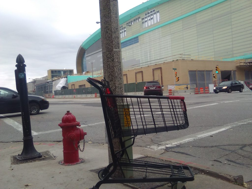 Abandoned shopping cart on N. 6th St. Photo by Nik Kovac.
