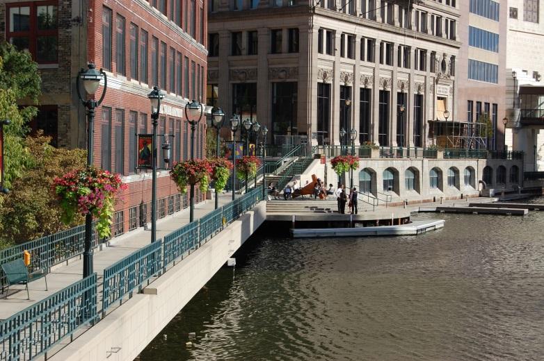 Milwaukee's Riverwalk Earns Prestigious International Award