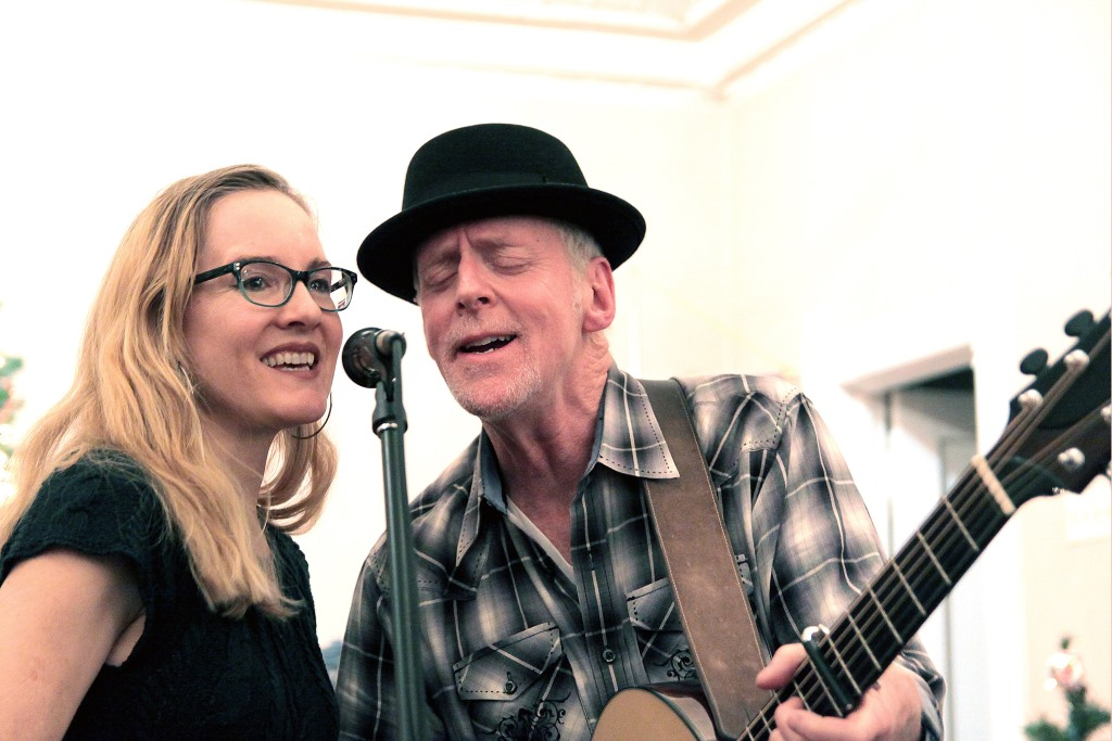 Willy Porter and surprise guest Carmen Nickerson performed at the County Grounds Coalition potluck social on Friday, Dec. 1 2017. Photo by Erol Reyal