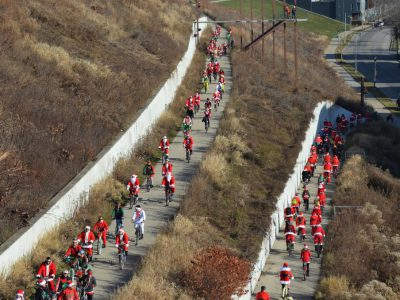 Photo Gallery: Santa Rampage Draws a Throng
