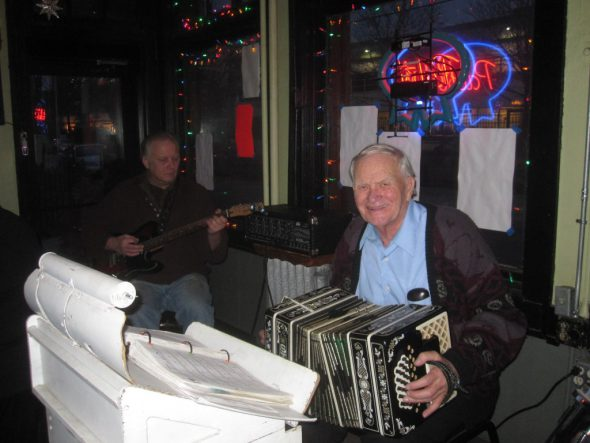 Live music at Kochanski's. Photo by Michael Horne.