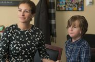 Julia Roberts and (behind the prosthetics) Jacob Tremblay in 'Wonder'