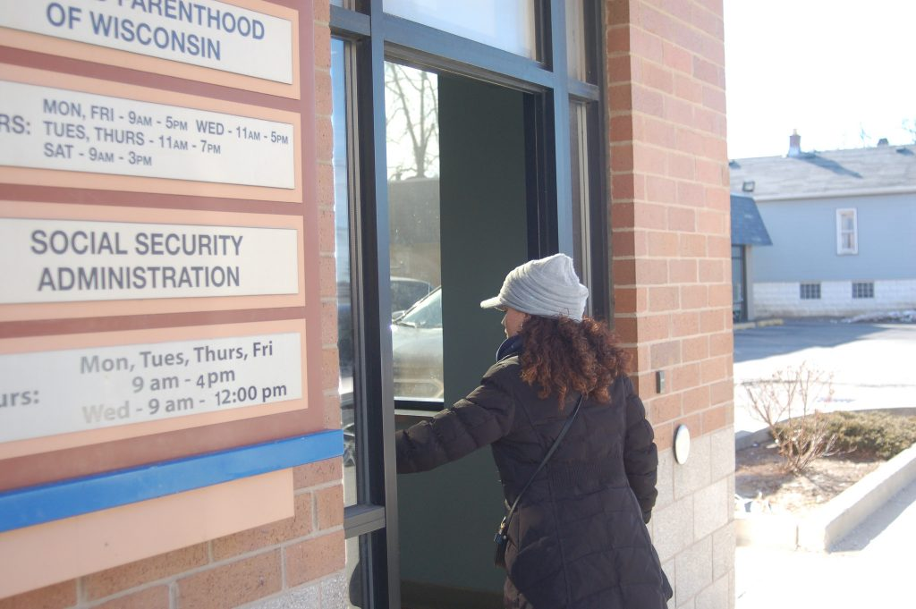 About 2,200 residents visit the Mitchell Street Social Security Office, 1710 S. 7th St., each month. Photo by Edgar Mendez.