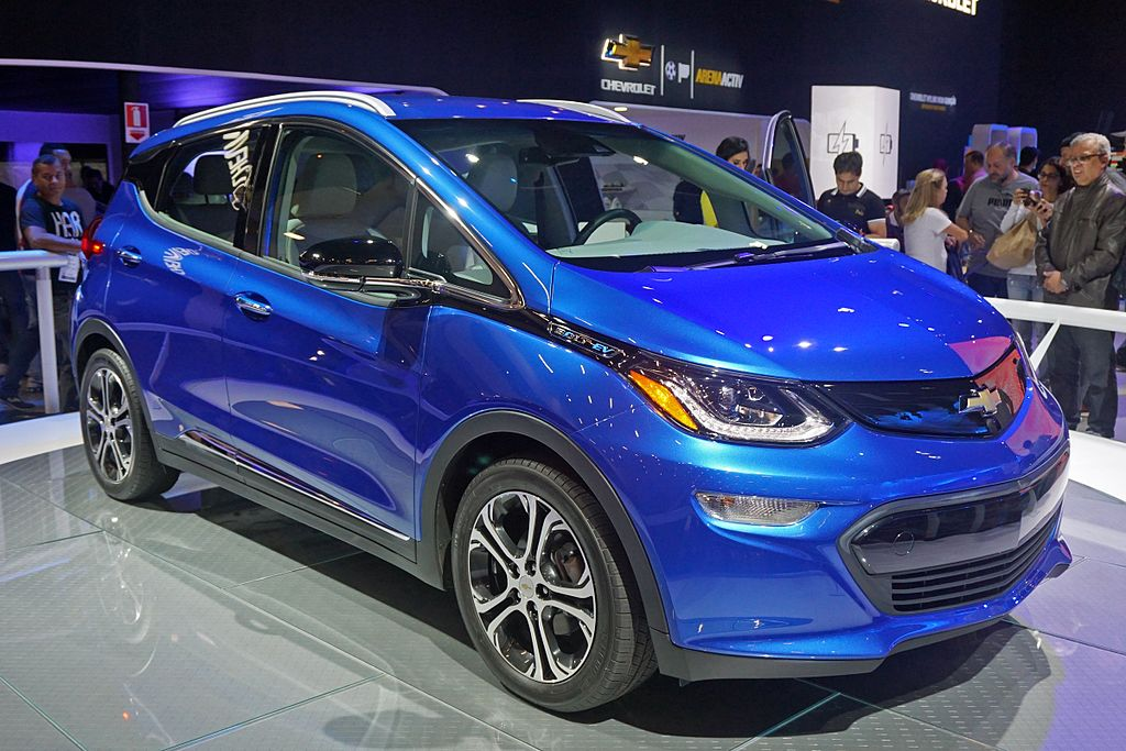 2017 Chevrolet Bolt EV. Photo by Mariordo (Mario Roberto Durán Ortiz) (Own work) [CC BY-SA 4.0 (https://creativecommons.org/licenses/by-sa/4.0)], via Wikimedia Commons