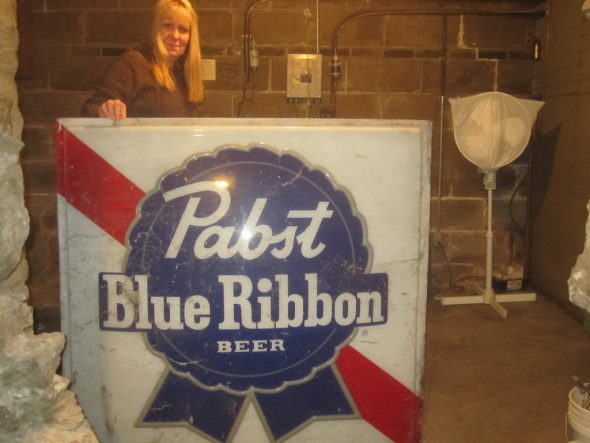 Pabst sign. Photo by Michael Horne.