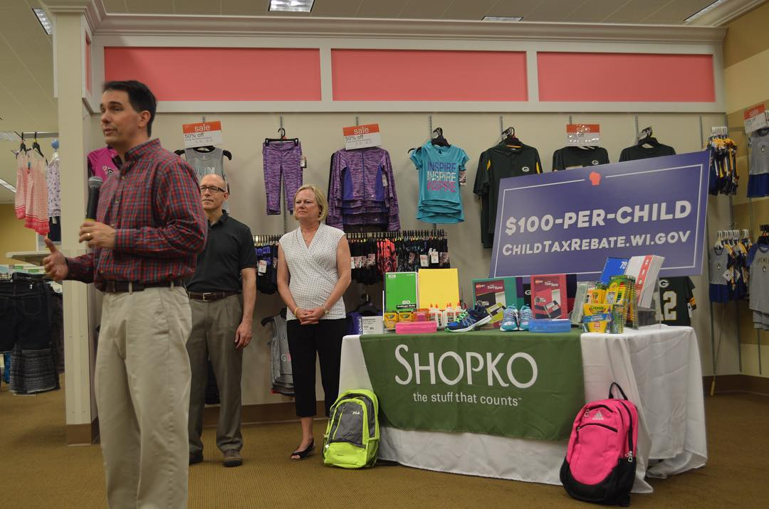 Gov. Scott Walker at Shopko in Sussex to highlight the launch of the $100-Per-Child Tax Rebate application. Photo from the State of Wisconsin.