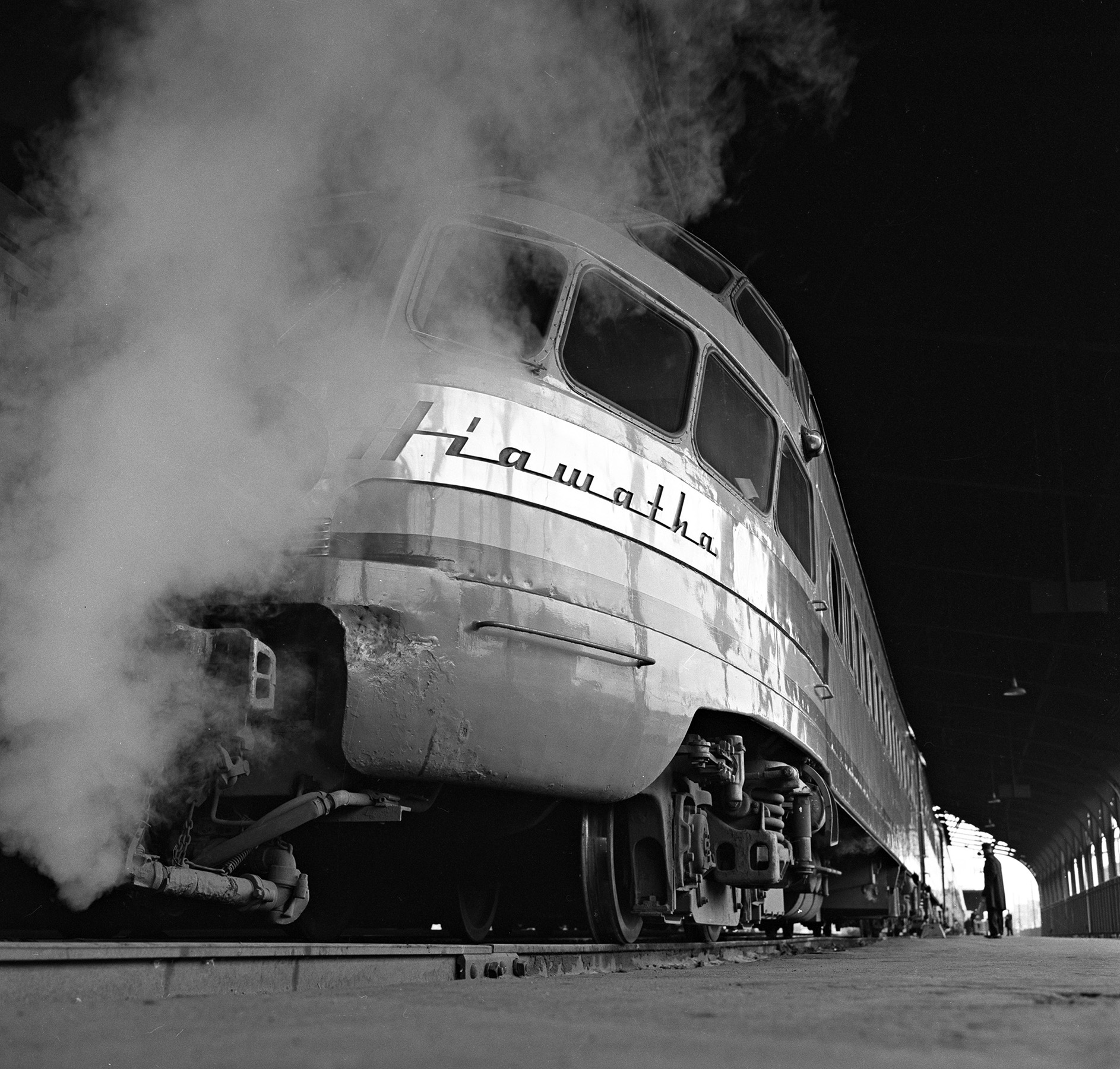 A Milwaukee Road Hiawatha. Photo by Wallace W. Abbey.