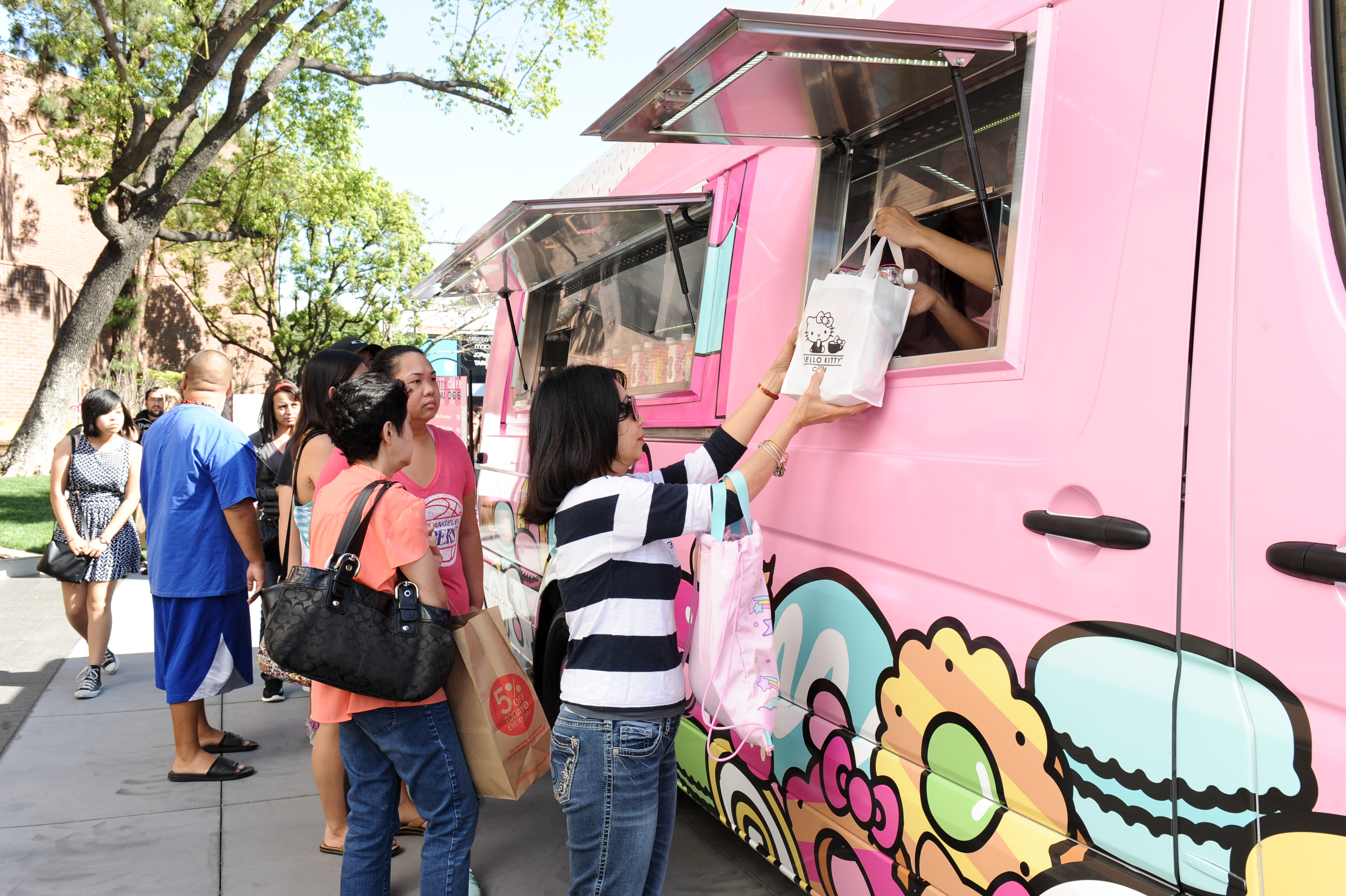 The Hello Kitty Cafe Truck East – Next Stop: Milwaukee