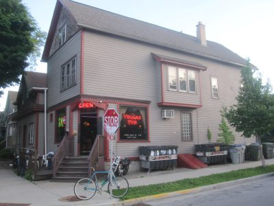 Bar Exam: Veggas Pub Is a Riverwest Survivor