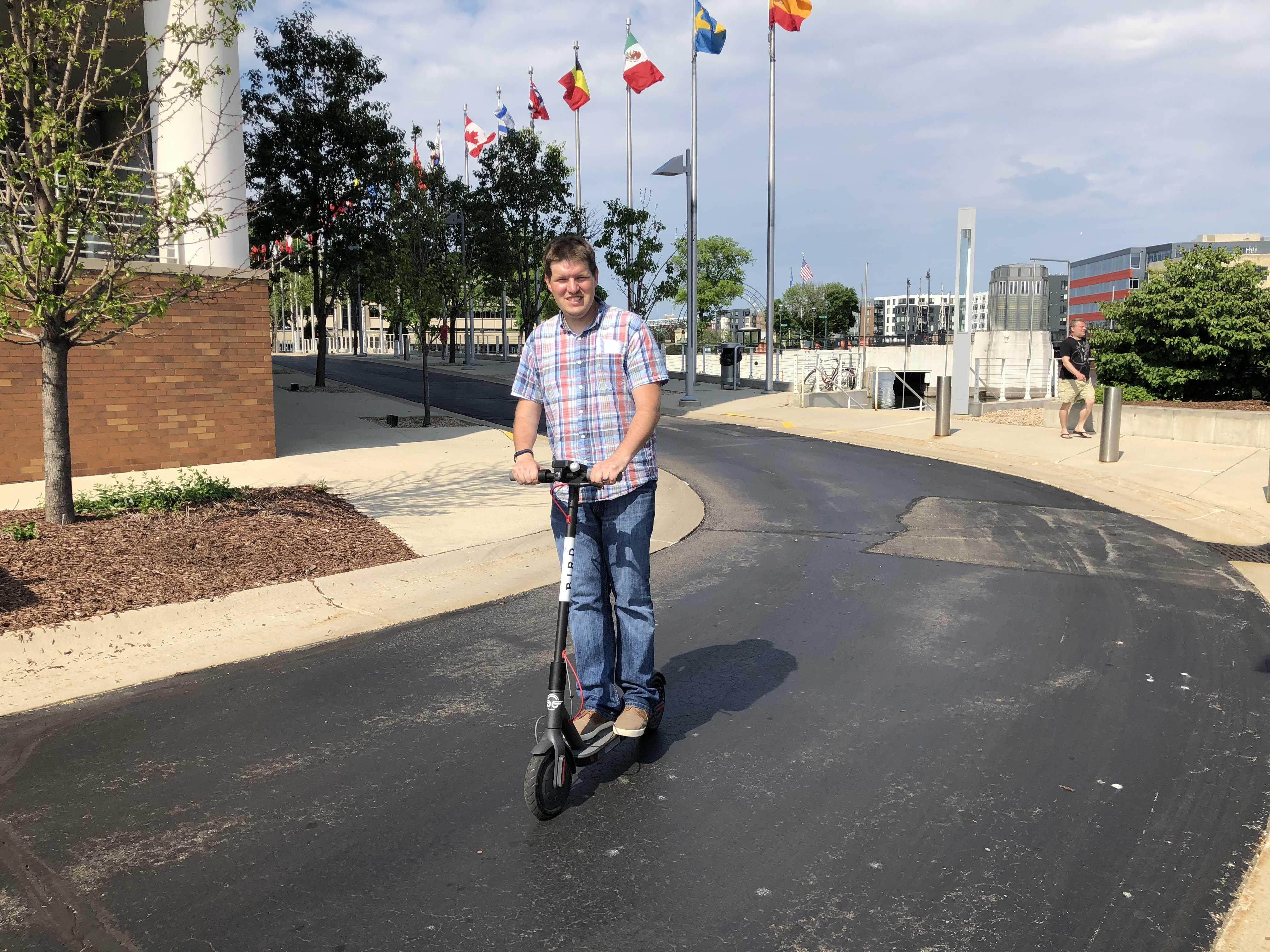 Eyes on Milwaukee: Dockless Scooters Are Illegal » Urban Milwaukee