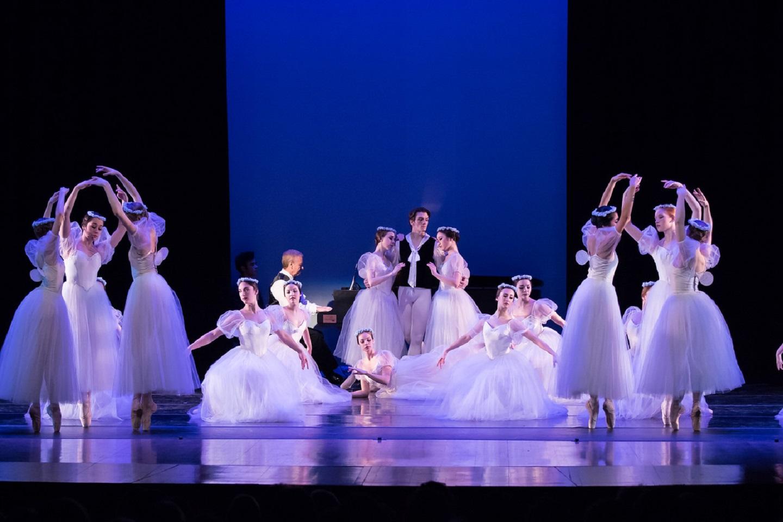 Photo courtesy of the Milwaukee Ballet' via the calendar.
