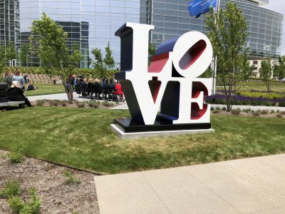 Robert Indiana's The American LOVE Sculpture Donated to the Milwaukee Art Museum