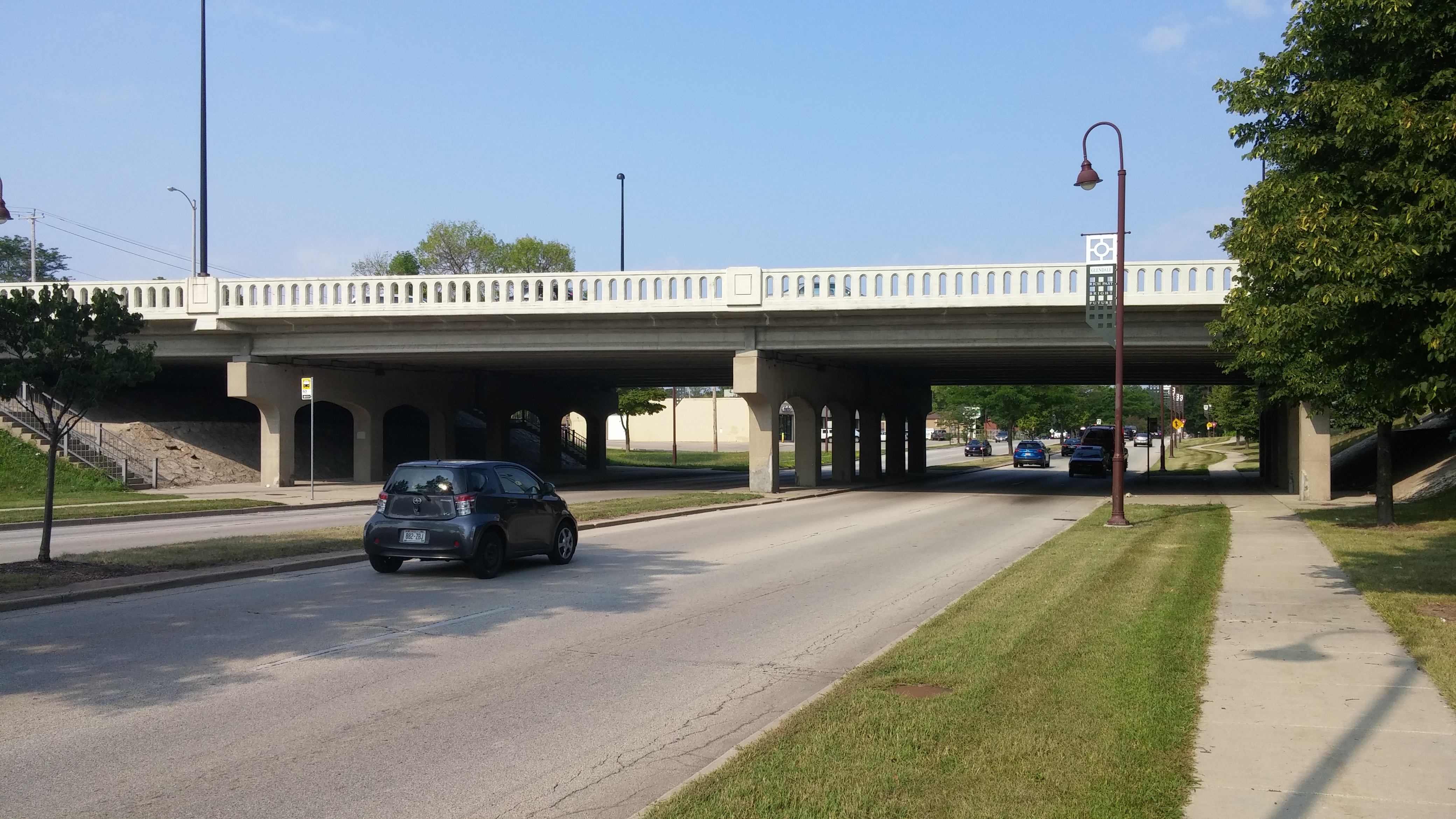 N. Green Bay Ave. now crosses above W. Silver Spring Dr. Photo by Carl Baehr.