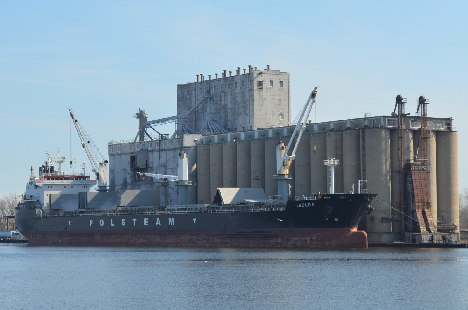 Isolda docks in Milwaukee. Photo by Jack Fennimore.