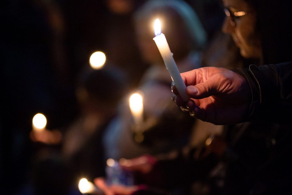 Vigil for the victims of the Pittsburgh synagogue shooting. Photo by Governor Tom Wolf from Harrisburg, PA [CC BY 2.0 (https://creativecommons.org/licenses/by/2.0)], via Wikimedia Commons
