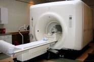 Magnetic resonance imaging. Photo by liz west from Boxborough, MA [CC BY 2.0 (https://creativecommons.org/licenses/by/2.0)], via Wikimedia Commons.
